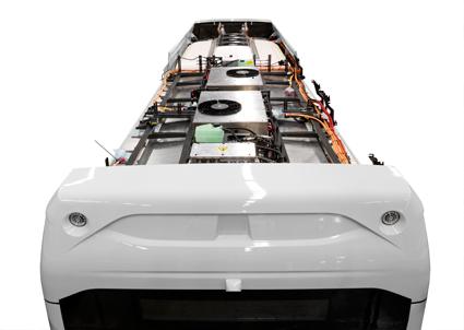 Elbussarna har fyra batteripaket om 350 kilo vardera på taket. Volvo 7900 Electric Hybrid har ett sådant paket. Foto: Volvo Bussar.