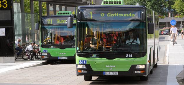 Gamla Uppsala Buss har i år drabbats av allt mer skadegörelse. Bara i helgen förstördes bussfönster för 700 000 kronor. Arkivbild: Ulo Maasing.