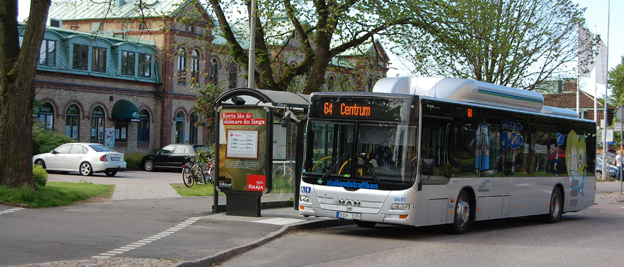 Oförändrade priser i stadstrafiken, kortare resor blir billigare och längre dyrare när Hallandstrafiken ändrar prismodell. Foto: Lasse Burell.