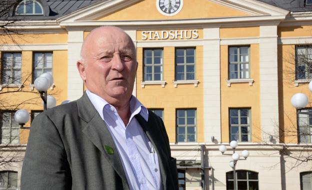 Lennart Holmlund(S), kommunalråd i Umeå: Om vi inte får igenom vårt krav på personalövertagande kan vi köra busstrafiken själva.