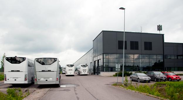 Scanias bussfabrik i Lahtis. Nästa år ska produktionen ökas till tio bussar i veckan. Foto: Scania.