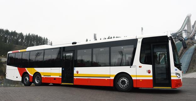 Sedan Scania tog över Lahden Autokoris tidigare fabrik i finska Lahtis har produktionen ökat kraftigt. Här är den första OmniExpress 320 LE som i dagarna levereras till Sverige och Omnibuslinjen Habo – Hjo. Bussen ska gå i trafik för Jönköpings Länstrafik. Foto: Ulo Maasing.