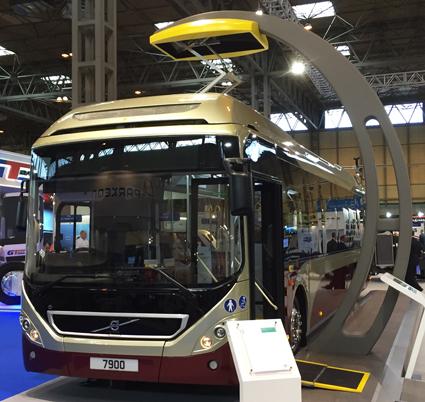 Skottlands huvudstad Edinburgh ska sätta in 24 Volvo 7900 Electric Hybrid i trafik. Avtalet skrevs nyligen på Euro Bus Expo.