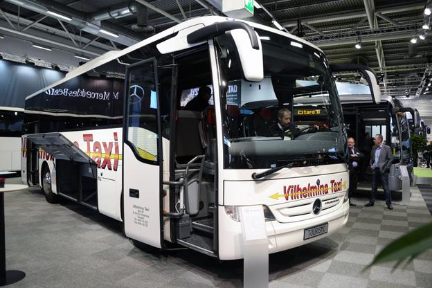 """Svensk premiär var det för Mercedes-Benz """"kortversion"""" av turistbussen Tourismo, Torusimo K. Foto: Ulo Maasing."""