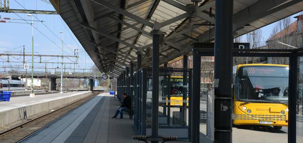 Sedan i september har Skånetrafiken fått sätta in beredskapsbussar för 1,5 miljoner i månaden när tågen inte går som de ska. Foto: Ulo Maasing.