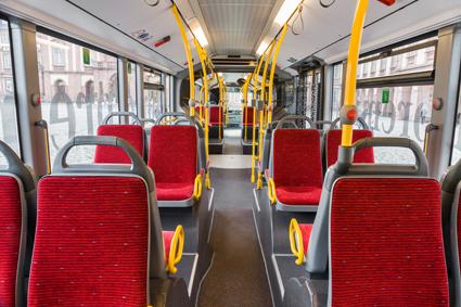 Interiören i den första CapaCityL som går till Hamburger Hochbahn. Foto: Daimler Buses.