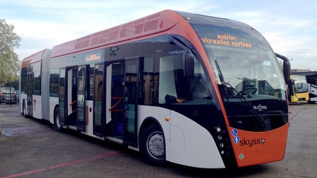 Förarna på superbussarna i Bergen har fått ett extra tekniskt hjälpmedel. Foto: Hordaland Fylkeskommune.