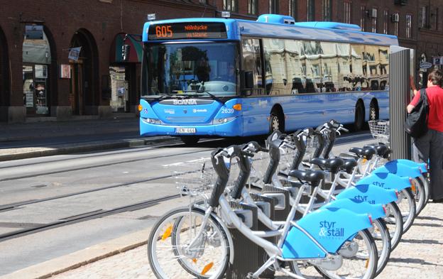 Kollektivtrafiken är hörnstenen och andra färdmedel ett komplement när Västtrafik satsar på kombinerad mobilitet. Foto: Ulo Maasing.