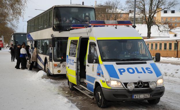 Från den första mars får polisen bättre möjligheter att stoppa fortsatt färd för fordon som bryter mot lagar och regler. Foto: Ulo Maasing.