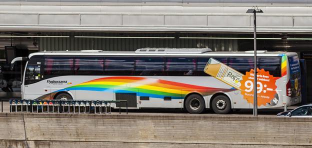 En flygbuss som drivs med biodiesel. Bättre för miljön än vanlig diesel, men lika illa för hälsan.