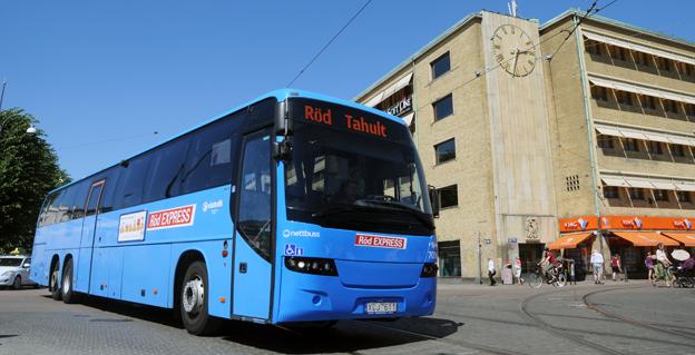 Röd Express är en av de linjer som Västtrafik ska upphandla år 2015 och där man slopar kravet på biogasbussar. Foto: Ulo Maasing.