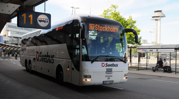 Det blev inte mycket av den nya, kommersiella kollektivtrafik som kollektivtrafiklagen öppnade för, konstaterar Trafikanalys. Konkurrensen från skattesubventionerad trafik var ett effektivt hinder. Swebus fick exempelvis lägga ner sin flygbusslinje mellan Stockholm och Arlanda sedan SL tagit upp konkurrensen med skattefinansierad tågtrafik. Foto: Ulo Maasing.