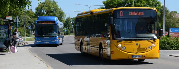 Nu kan man köpa bussbiljetter för den gotländska kollektivtrafiken redan på Östersjön. Foto: Ulo Maasing.