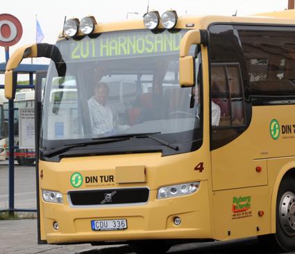 Anställda i Härnösands kommun får snart inte ta bilen till Sundsvall på tjänsteresor. Foto: Ulo Maasing.