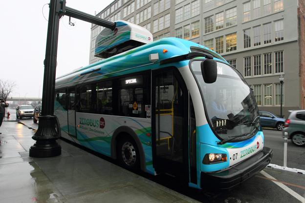Elbussar rullar i allt fler städer, världen runt. Louisville, Kentucky, har etablerat en gratis elbusslinje i centrum med bussar från Proterra. Foto: Transit Authority of River City.