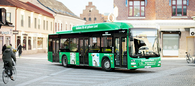 Biltrafiken fortsätter att minska i Lund när allt fler väljer att åka buss. Foto: Karl-Johan Hjertström.