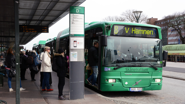 Linje 8 i är en av de stadsbusslinjer som har haft stora problem med framkomlighet och punktlighet. Foto: Ulo MAasing.