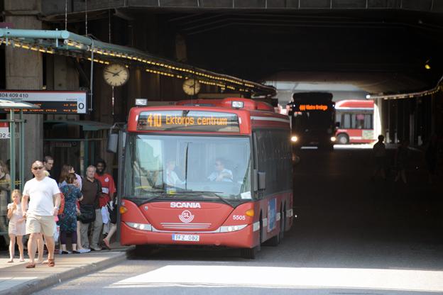 Dagens föga attraktiva terminal vid Slussen för bussarna till Nacka och Värmdö. Foto: Ulo Maasing.