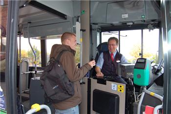 Allt fler tar bussen i Sörmland. Vingåker är en av de kommuner som haft starkast ökning. Foto: PeO Quick.