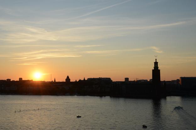 Solnedgång över Riddarfjärden och Kungsholmen i Stockholm. Stockholm satte i fjol nytt rekord när det gäller turismen. Foto: Ulo Maasing.