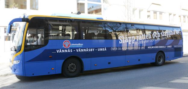 Släpp ratten –men när kommer bussen? Det realtidssystem som Länstrafiken i Västerbotten köpte 2008 fungerar fortfarande inte. Foto: Ulo Maasing.