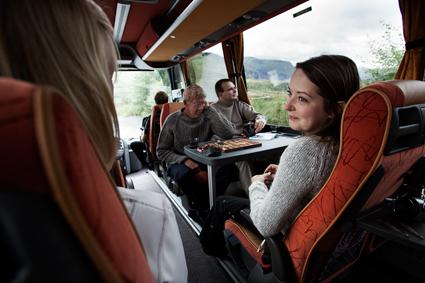 Det har vänt uppåt för bussturismen, menar Sveriges Bussresearrangörer. Foto: Volvo.