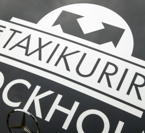 Taxi Kurir i Stockholm AB ska sköta bland annat färdtjänstbeställningar i Skåne. Foto: Taxi Kurir.