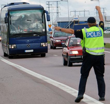 Regeringen vill skärpa möjligheterna att stoppa bussar och lastbilar som bryter mot reglerna ännu mer. Foto: Ulo Maasing.