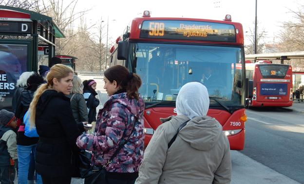 Resenärerna klagar och kliver av Arrivas bussar i norra Storstockholm. Foto: Ulo Maasing.