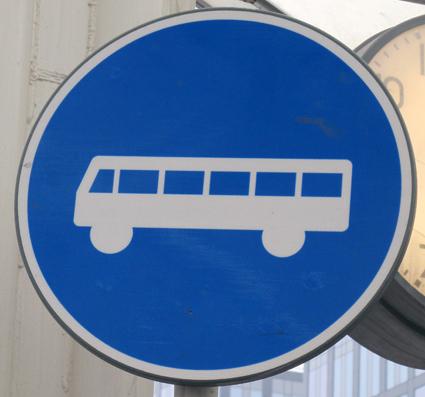 Flera städer vill satsa på bättre framkomlighet för kollektivtrafiken, bland annat genom busskörfält. Foto: Ulo Maasing.