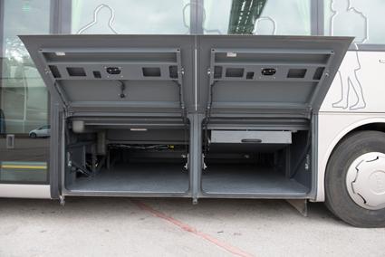 Bagageutrymmet är på 5,2 respektive 6,4 kubikmeter, beroende på bussens längd.