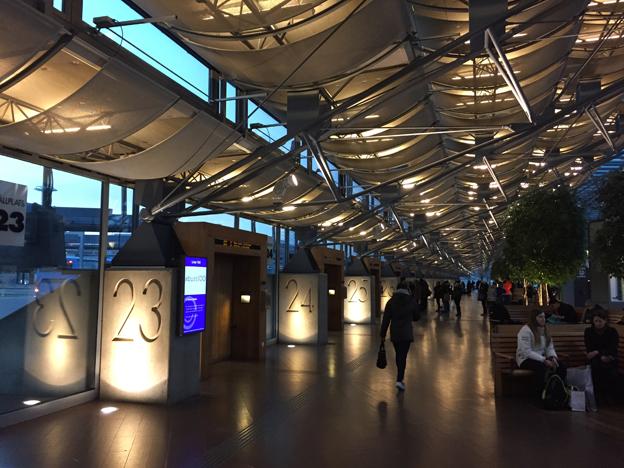 Nils Ericsonterminalen i Göteborg. Västtrafik satsar på fritt, trådlöst internet på en rad stationer och terminaler. Foto: Ulo Maasing.