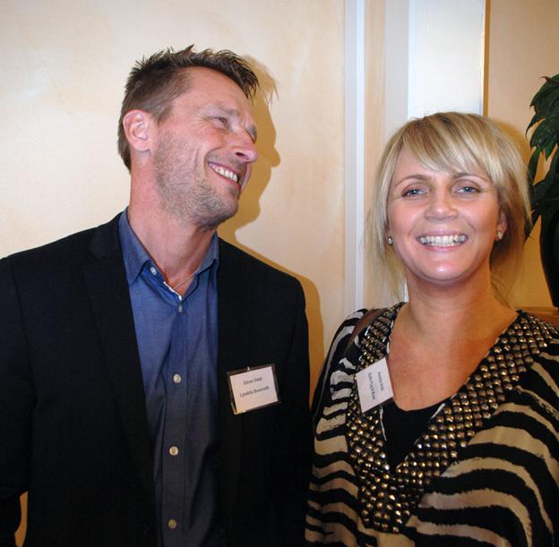 Göran Odell från Lysekils Busstrafik och Annelie Köbi från Rolfs Flyg & Buss minglade hos Rese-Konsulterna.