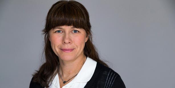 Åsa Romson(MP), miljöminister med straffskatt på fossilfri kollektivtrafik på agendan. Foto: Kristian Pohl/Regeringskansliet.