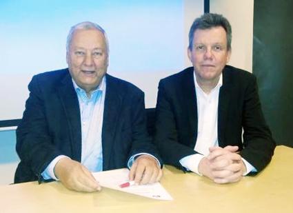 Toni Schönfelder, ordförande i Sveriges Bussresearrangörer (till vänster) och Clemens Wantschura, utvecklingschef i VISITA,