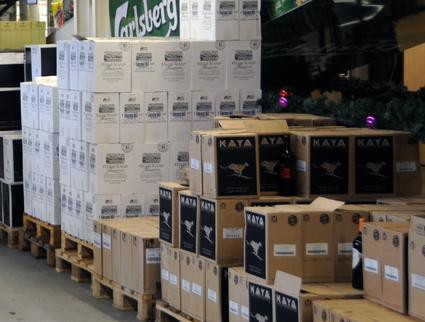 Smuggling av alkohol sker i stor skala med buss från tyska stormarknader till Sverige. Arkivbild: Ulo Maasing.