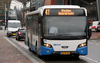 Amsterdam ska byta ut alla sina stadsbussar mot elbussar under de närmaste tio åren. Foto: Maurits90/Wikimedia Commons.