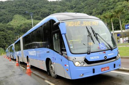 En Mercedes-Benz O500MA i Brasilien. Den svaga brasilianska bussmarknaden bidrar till minskade volymer för Daimler Buses. Foto: Daimler Buses.