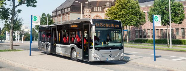 Nya dieselbussar förorenar stadsluften mycket mindre än nya dieseldrivna personbilar. Foto: Daimler Buses.