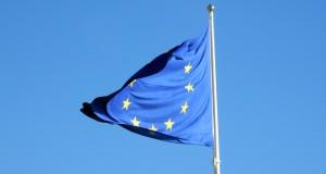 Nä, EU har inte beslutat om något minimilönekort för bussförare… April, April!.