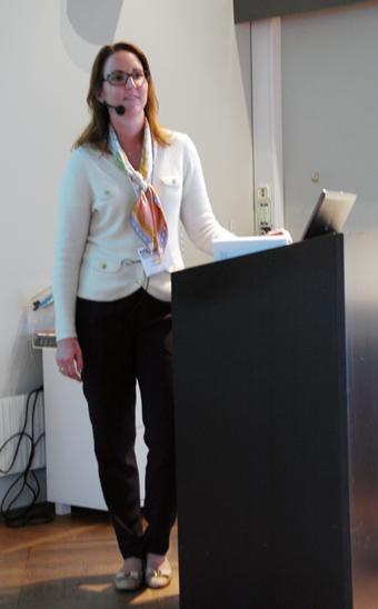 Jennie Lööw från Sveriges Bussföretag berättade om arbetet med att anpassa bussbranschavtalet till beställningstrafikens villkor.