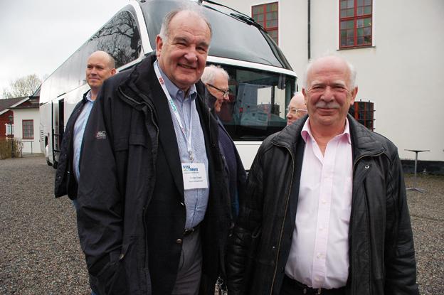 Flera bussleverantörer medverkade på Busstorget, som här Christer Fridell och Stefan Eriksson från Svenska Neoplan.