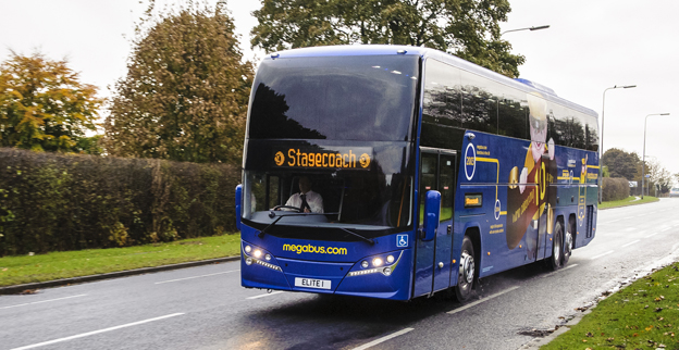 En av megabus.coms Volvo/Plaxton Elite i Storbritannien. Foto: Stagecoach group.