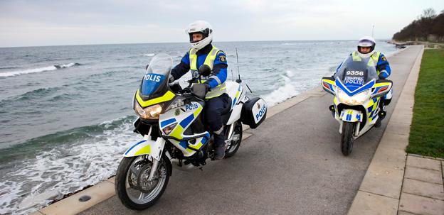 Polisen i västra Sverige ska försöka bromsa smugglingen via spritbussarna. Foto: Polisen.