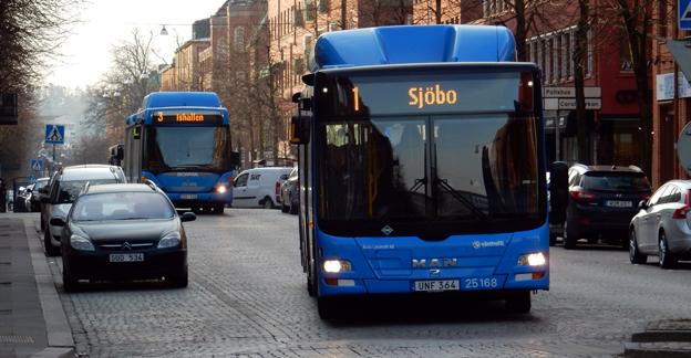 Biogas ska fortsatt vara skattebefriat medan punktskatterna på miljöbränsle som inte är gasformiga höjs, konstaterar Sveriges Bussföretag i ett kritiskt remissyttrande till regeringen. Foto: Ulo Maasing.