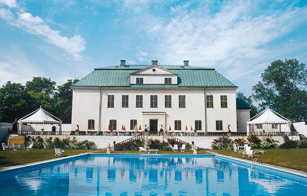 Slottsmiljö som lockar. Busstorget hålls på Häringe Slott söder om Stockholm den 16 - 17 april. Foto: Häringe slott.