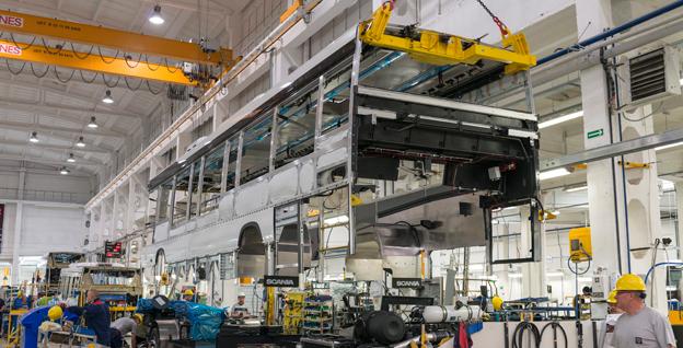 En Scania hybridbuss under produktion vid fabriken i Slupsk, Polen. Foto: Scania.