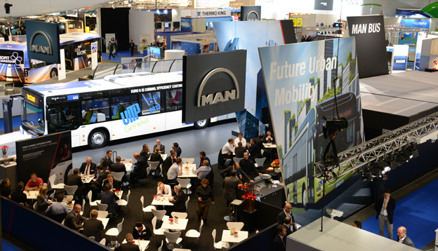 En stor kollektivtrafikutställning med den nyaste tekniken och de nyaste lösningarna inom kollektivtrafik hålls i anslutning till UITP:s världskongress. Bilden är från den senaste kongressen som hölls i Genève i maj 2013. Foto: Ulo Maasing.