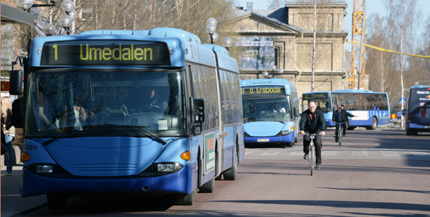Umeås mål att minst 55 procent av resorna i kommunen ska göras med hållbara färdsätt som kollektivtrafik och cykel har inte nåtts. Foto: Ulo Maasing.