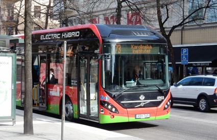 Trafikstart för linje 73 med Volvo Electric Hybrid är en av de nyheter som Volvo lyfter fram i sin kvartalsrapport. Foto: Ulo Maasing.